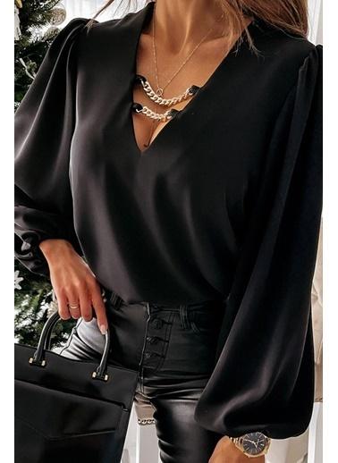 BLACK&GRACE Kadın Beyaz Zincir Detaylı Bluz Siyah